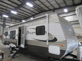 Used 2014 CrossRoads RV Zinger ZT30RK Travel Trailer