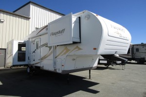 Used 2009 Forest River Flagstaff 8526 RLWS Fifth Wheel Trailer