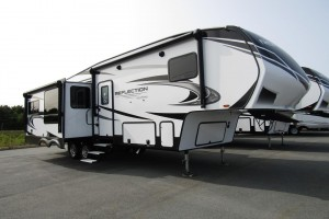New 2021 Grand Design Reflection Fifth Wheels 303RLS Fifth Wheel Trailer