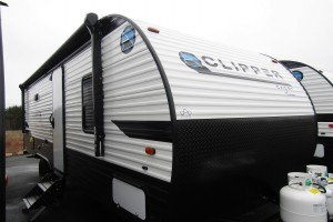 New 2020 Coachmen Clipper Cadet 21CBH Travel Trailer