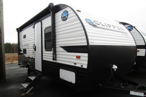 New 2020 Coachmen Clipper Ultra-Lite 17 CFQ Travel Trailer