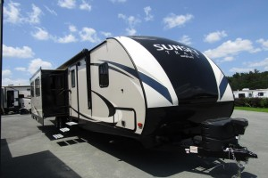 Used 2017 Cross Roads SUNSET TRAIL 322BHS Travel Trailer