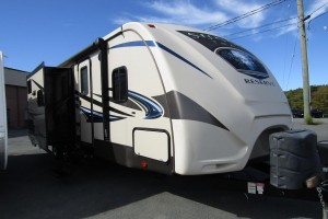 Used 2015 Cross Roads SUNSET TRAIL 26RB Travel Trailer