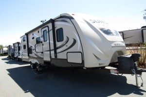 Used 2016 Cross Roads SUNSET TRAIL 240BH Travel Trailer