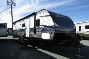 Used 2018 Cross Roads Zinger 258BH Travel Trailer