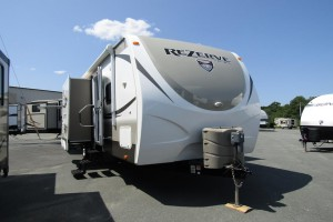Used 2014 Cross Roads Zinger REZERVE 26RB Travel Trailer