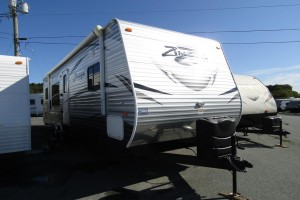 Used 2016 Cross Roads Zinger 30RK Travel Trailer