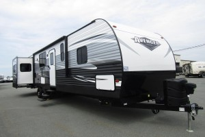Used 2019 Forest River AVENGER 32DEN Travel Trailer