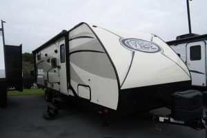 Used 2017 Forest River VIBE 250BHS Travel Trailer