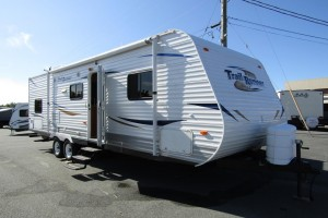 Used 2011 Heartland TRAIL RUNNER 27 FQBS Travel Trailer