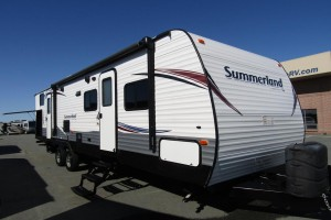 Used 2015 KEYSTONE SUMMERLAND SM3030 Travel Trailer