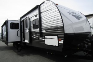 Used 2019 PrimeTime Avenger 32QBI Travel Trailer