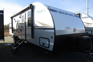 New 2020 Venture Sonic SN220VRB Travel Trailer