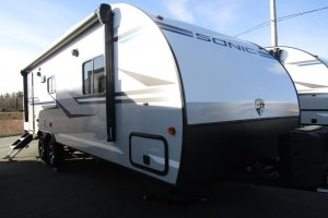 New 2019 Venture Sonic 231VRL Travel Trailer