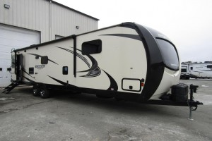 Used 2018 Venture SportTrek Touring STT322VRL Travel Trailer