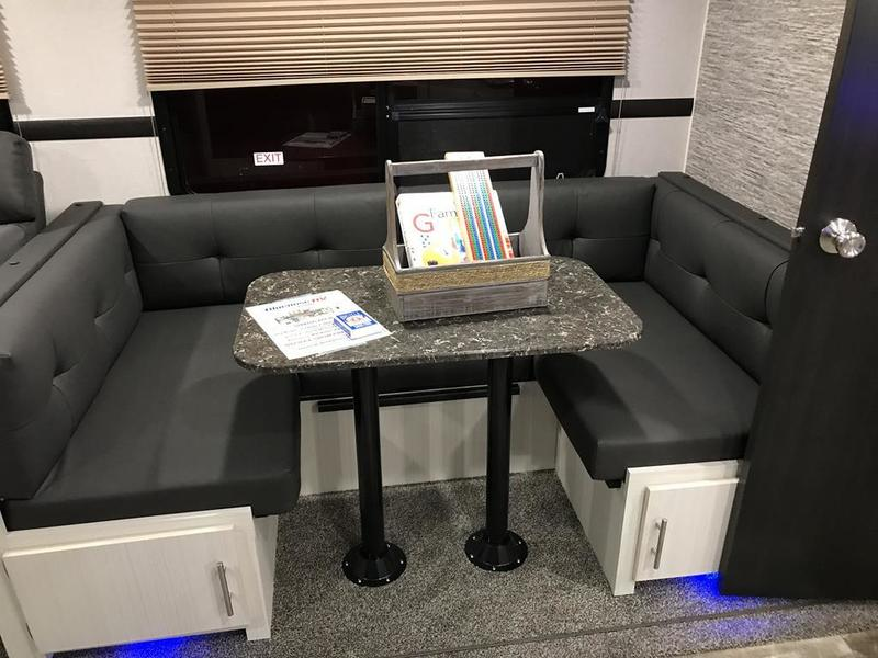 New 2019 Venture Stratus 281 Vbh Travel Trailer